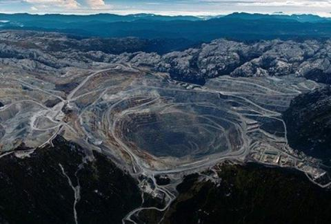 SGTReport – Biggest Gold Mine In The World Shutdown – Is This The Catalyst Gold Has Been Waiting For? – 4 June 2013 280094-1370267193337419-Hebba-Investments