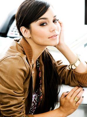 Vanessa Hudgens - Pagina 5 Vanessa-hudgens-746048l-poza
