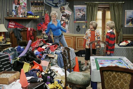 Zac si Cody Suite Life - Page 6 The-suite-life-of-zack-and-cody-213597l-imagine