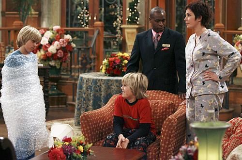 Zac si Cody Suite Life - Page 6 The-suite-life-of-zack-and-cody-323990l-imagine