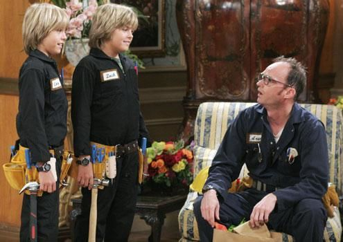 Zac si Cody Suite Life - Page 5 The-suite-life-of-zack-and-cody-486346l-imagine