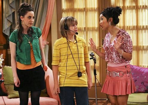 Zac si Cody Suite Life - Page 5 The-suite-life-of-zack-and-cody-614169l-imagine