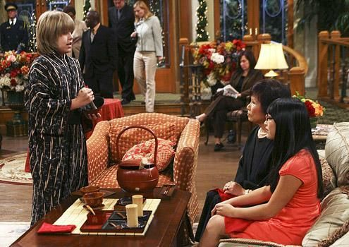 Zac si Cody Suite Life - Page 5 The-suite-life-of-zack-and-cody-666563l-imagine