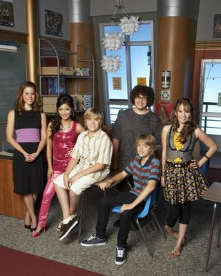 Zac si Cody Suite Life - Page 5 The-suite-life-of-zack-and-cody-733310l-imagine