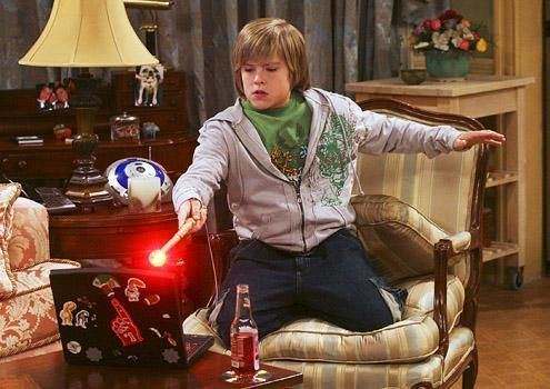 Zac si Cody Suite Life - Page 5 The-suite-life-of-zack-and-cody-882435l-imagine