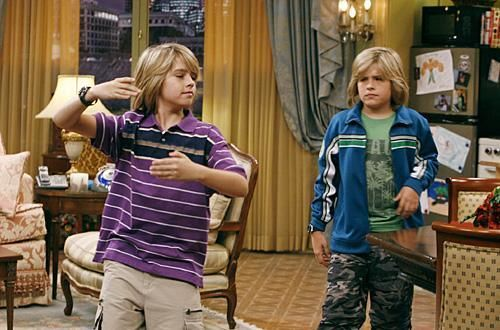Zac si Cody Suite Life - Page 6 The-suite-life-of-zack-and-cody-968139l-imagine