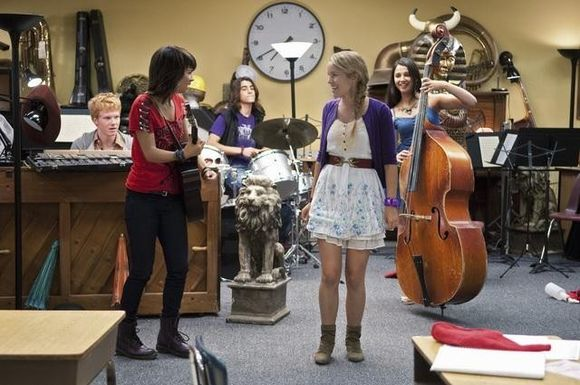 Lemonade Mouth - Page 3 Lemonade-mouth-601720l-imagine
