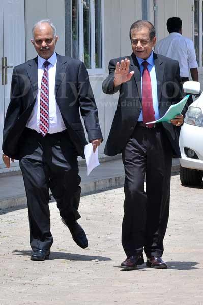 BoC, Peoples' Bank NSB officials tell PCol; Ravi told state banks to bid low Image_1507174266-ac586cda85