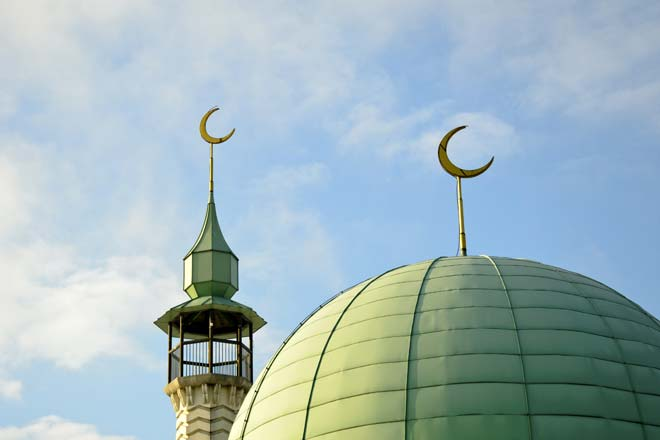 19. VAST DIFFERENCE BETWEEN ISLAM AND THE ACTUAL PRACTICE OF MUSLIMS Mosque--1