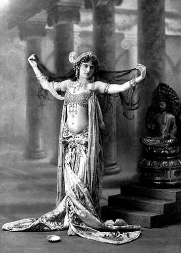 Mata Hari danseuse espionne 266490511_4144578d7b