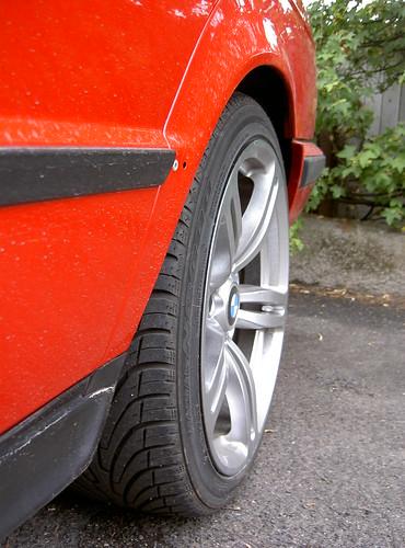 [BMW 525 tds E34] Montage de Pneus Larges 224459333_e1c1d2868f