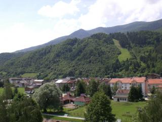 Bosna i Hercegovina - Page 2 Bosnia-landscape--livno_19-103450