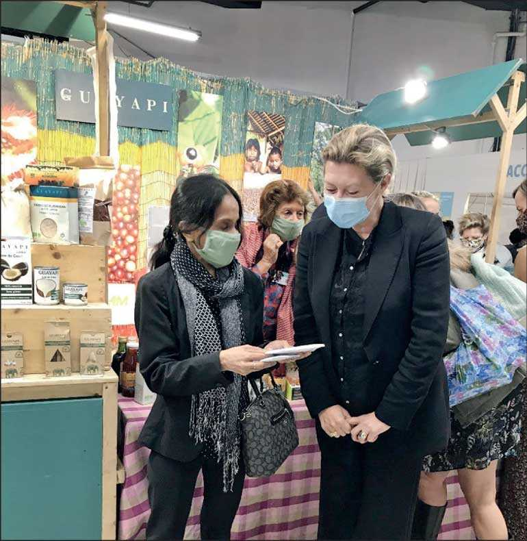 Ceylon Tea dyed and branded masks distributed at 'Salon Zen' exhibition Image_c681b9340b
