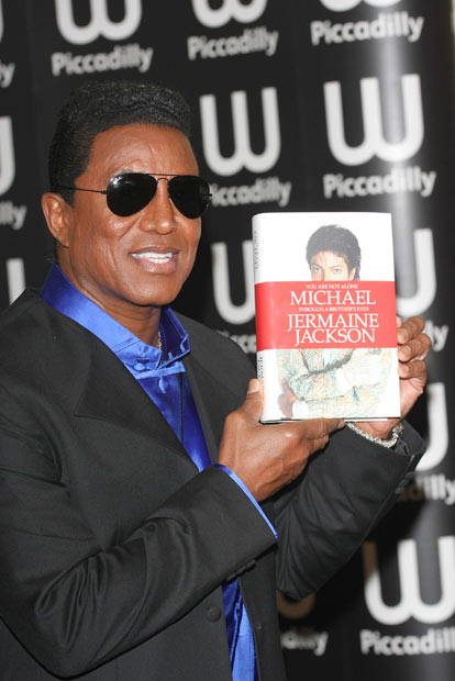 "[LIBRO] Jermaine Jackson ""You are not alone: Michael: Through a Brother's Eyes"" - Pagina 4 4025401_jermaine_jackson_5_wenn3510"