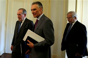 Marcelo levanta sigilo do Conselho de Estado para defender Cavaco Ng7299330