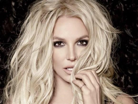 Britney Spears gera controvérsia com fotografia em biquíni Ng6325678