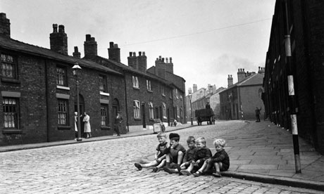 George Orwell Children-on-a-Wigan-stree-008