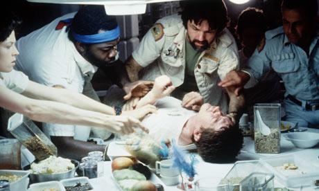 [Defi 14] Reforger l'épée qui fut brisée John-Hurt-in-Alien-1979-006
