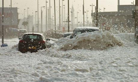 Mystery foam invades English seaside town Sea-foam-cleveleys-near-b-007