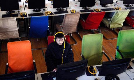 L'ONU veut contrôler Internet à travers le monde entier China-computer-in-an-inte-010