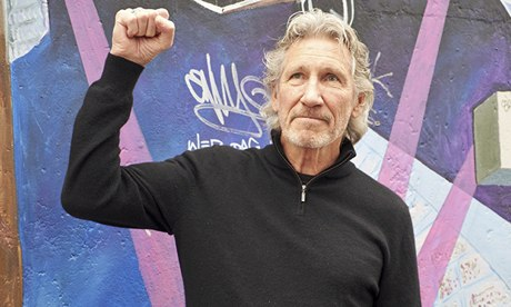 Roger Waters - A story of Pitbulls and Poodles. Roger-Waters-at-the-Easts-009
