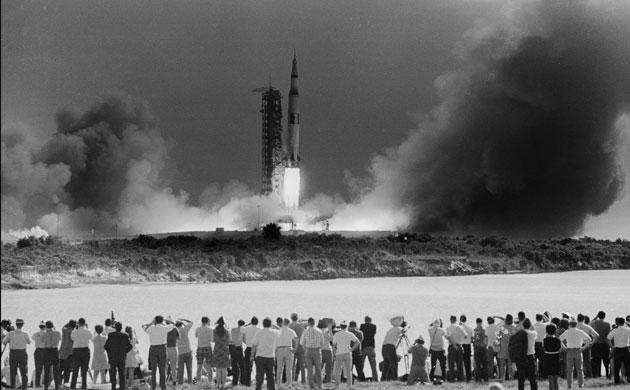 História- fotos da conquista da lua ,memoráveis!!!!!!!!!  Apollo-11-Apollo-Spacecra-003