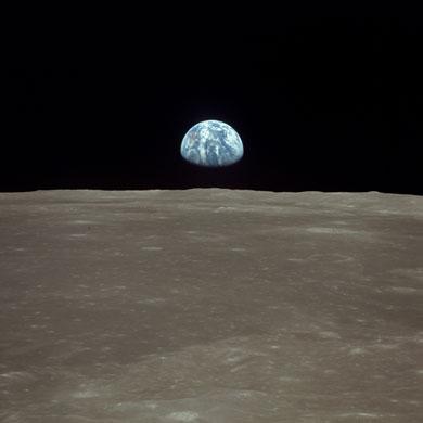 História- fotos da conquista da lua ,memoráveis!!!!!!!!!  Apollo-11-to-the-Moon--Ea-018