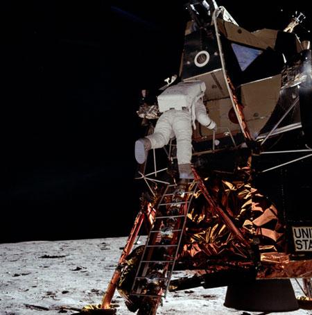 História- fotos da conquista da lua ,memoráveis!!!!!!!!!  Apollo-11-Astronaut-Buzz--006