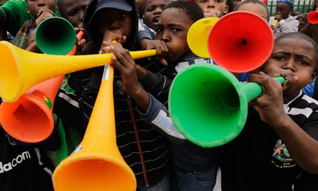 Vuvuzela South-African-boys-blow-t-006