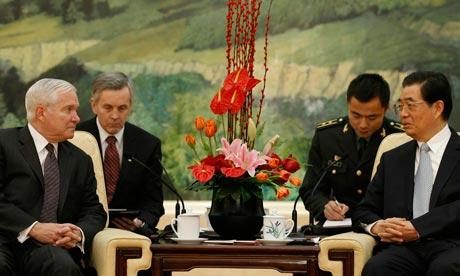 المقاتلة الصينية J-20 Mighty Dragon المولود غير الشرعي Robert-Gates-China-007