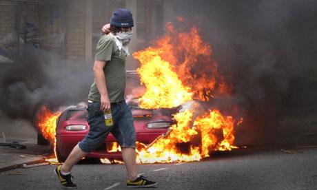 Riots in London - Page 5 Riots-in-Hackney-007