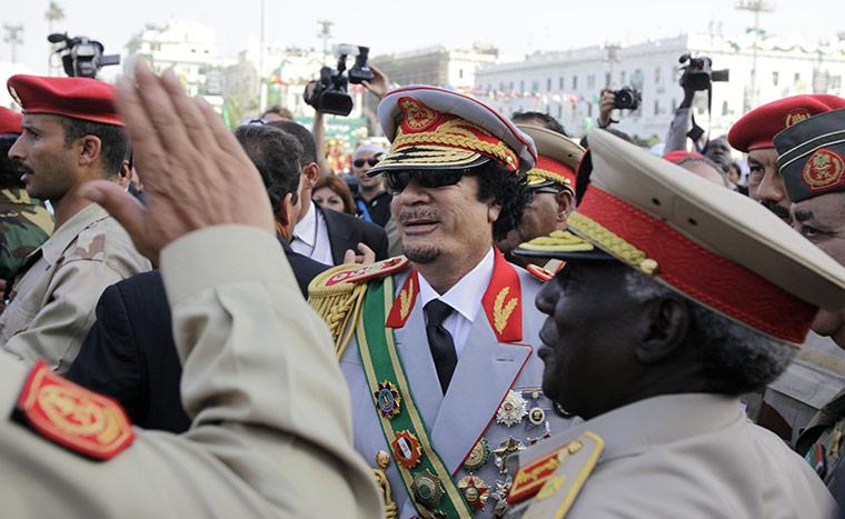 .سجل حضورك ... بصورة تعز عليك ... للبطل الشهيد القائد معمر القذافي - صفحة 32 September-2009-Arriving-f-010
