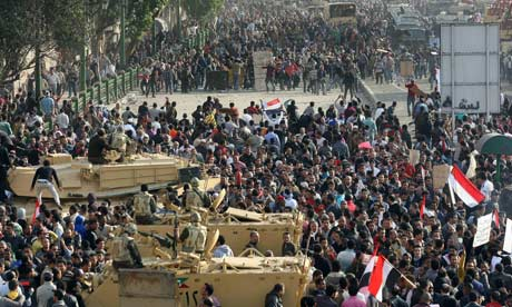 Egyptian army disperses Mubarak supporters Egyptian-anti-regime-prot-007
