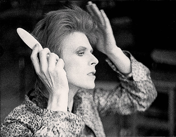 David Bowie David-Bowie-preparing-for-007
