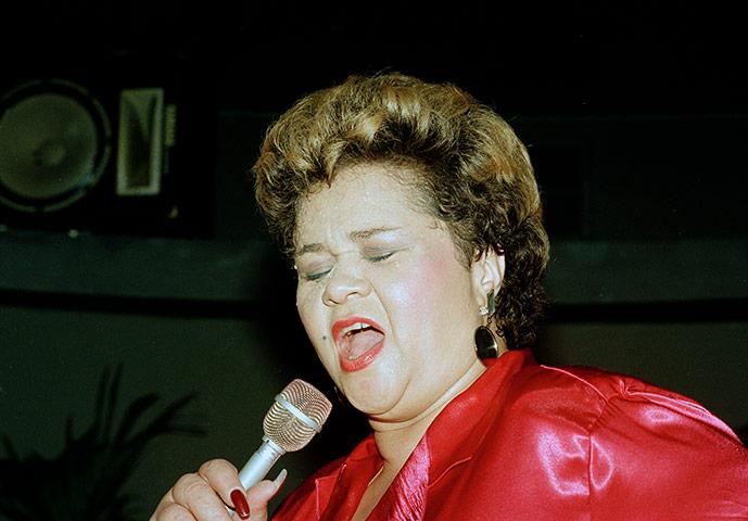 Etta James RIP Etta-James-performs-at-th-008
