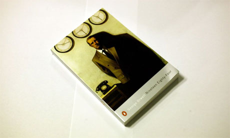George Orwell Cover-of-1984-paperback-008