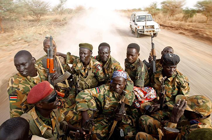 الفرقتان التاسعة والعاشرة South-Sudans-army-SPLA-so-009