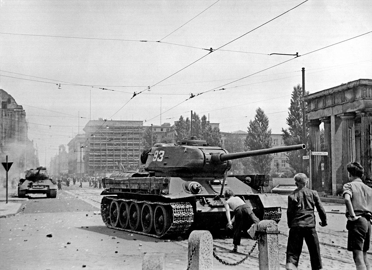 Non-Russian Μilitary multimedia thread: - Page 8 17-June-1953-Soviet-tanks-001