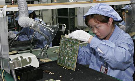 Como a NSA comprometeu os roteadores da intermet ... A-Huawei-employee-in-Shen-011