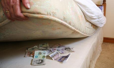 من اطرف الاشياء فى العالم طرق اخفاء النقود والاشياء بالصور Where-should-I-invest-my--006