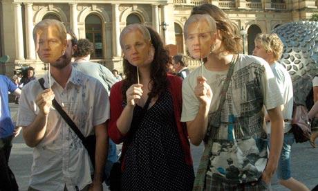 JULIAN ASSANGE - WikiLeaks 'editor-in-chief': from geek to freedom fighter! Julian-assange-006