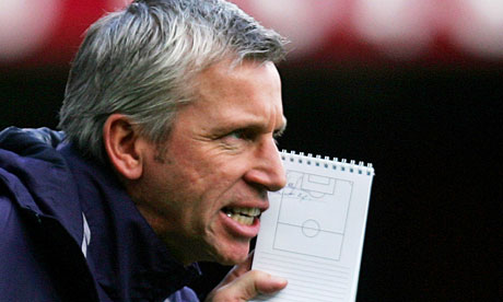 Alan Pardew - menadžer godine - Page 6 Alan-Pardew-has-been-out--006