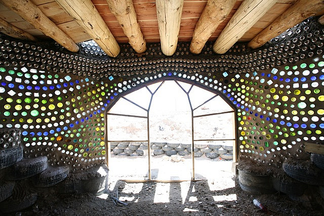 10 Reasons Why EarthShips Are F!#%ing Awesome 3471114639_6ab9bc0feb_z
