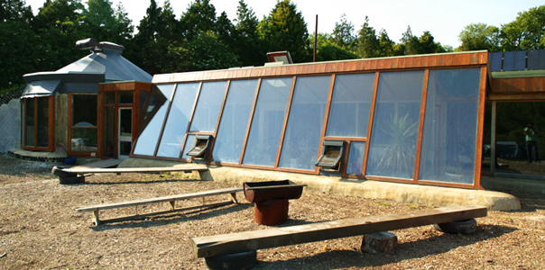 10 Reasons Why EarthShips Are F!#%ing Awesome Earthship2