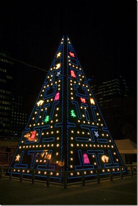 SUPPOS DE LA FORTUNE DE NOEL ! 80s-christmas-lights-pacman-tree-favim-com-122881-thumb