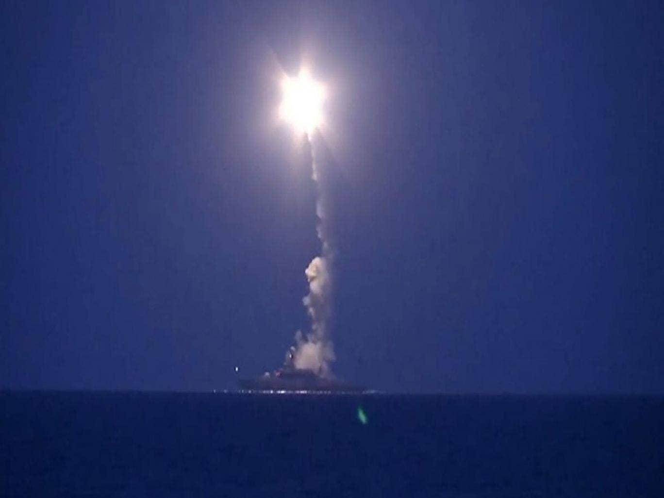 Attacco in corso a Parigi - Pagina 8 Russian-cruise-missile