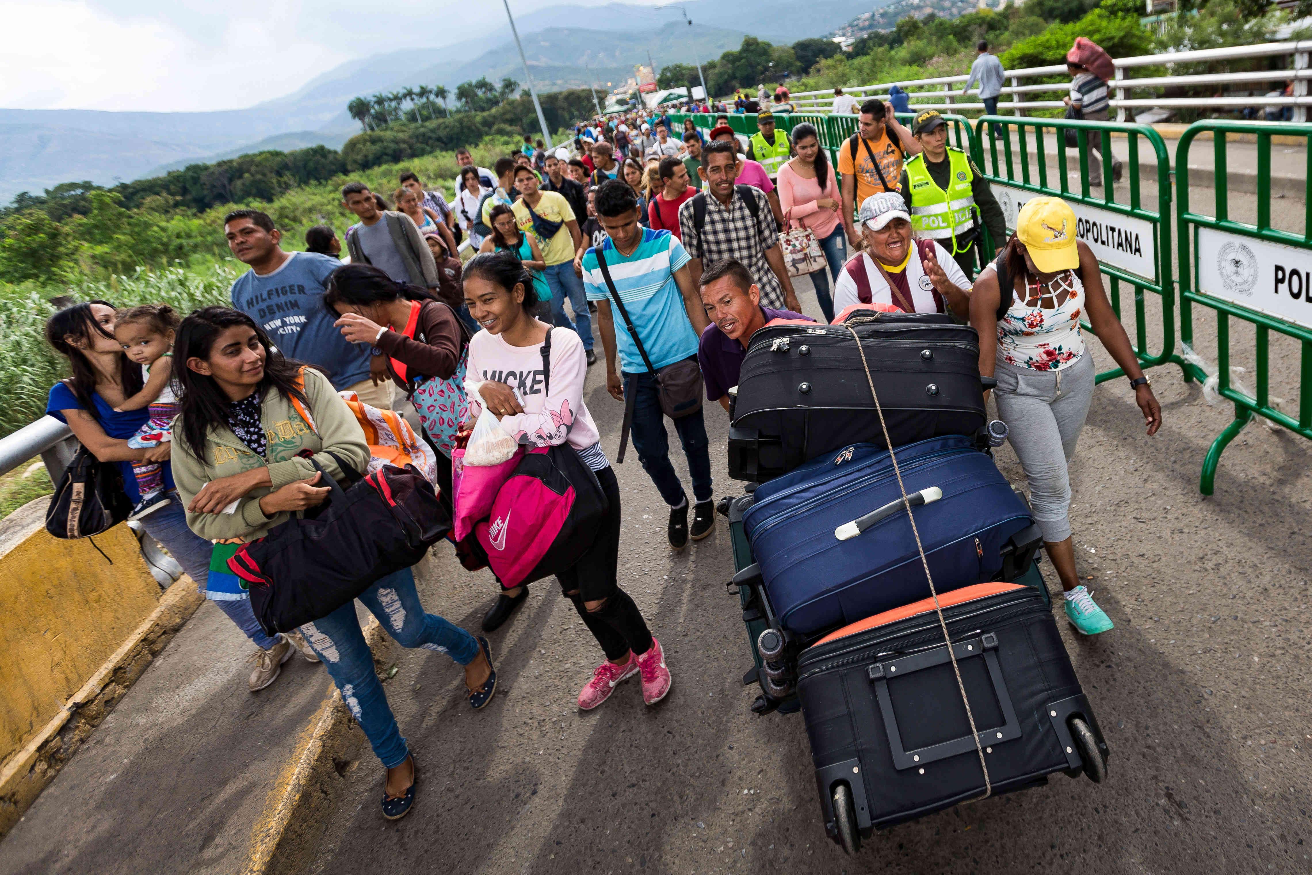 CEOFANB - Venezuela un estado fallido ? - Página 38 556980_1