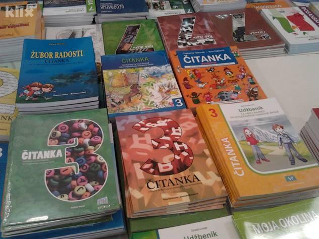 Kupovina udžbenika za roditelje je prava noćna mora 120831086.1_mn