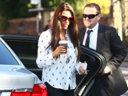 Katie Price dobila jednogodišnju zabranu upravljanja automobilom 120901022