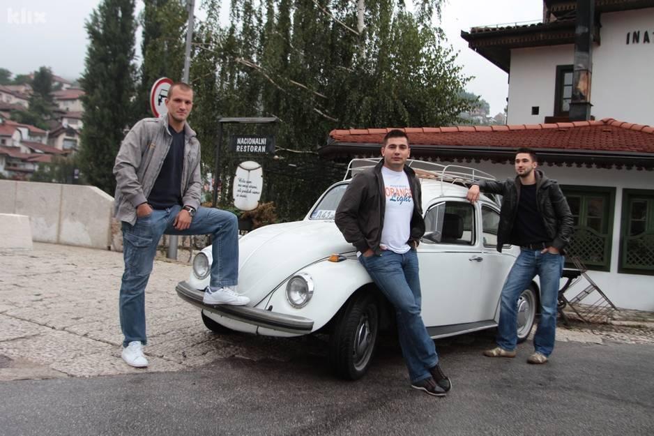Četiri prijatelja iz Sarajeva u Bubi staroj 42 godine putuju u Madrid 120914114.1_xl